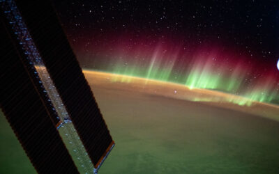 Aurora australis stuns from the Space Station